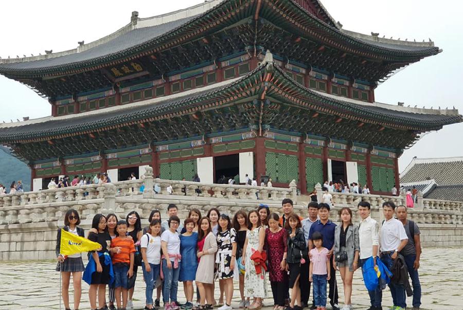 nhân viên HISA tại company trip Hàn Quốc 2018-01
