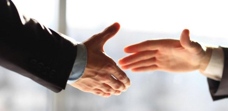 Cách chào hỏi bằng việc bắt tay nhau là một trong những văn hóa điển hình của người Hà Lan