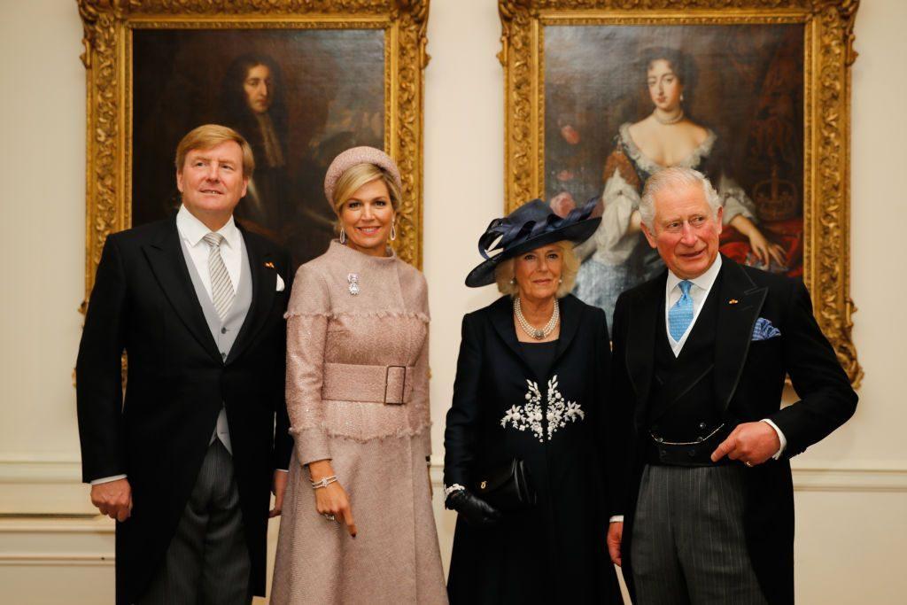 Hình ảnh vua và hoàng hậu là tượng tưng cho văn hóa ăn mặc của người hà lan