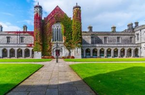 Học bổng Đại học quốc gia Ireland NUI Galway (National University of Ireland Galway)